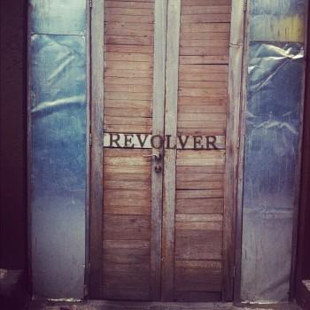 Revolver cafe