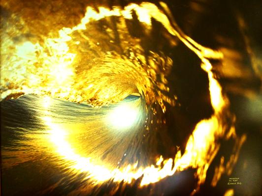 david-puus-golden-wave-of-light