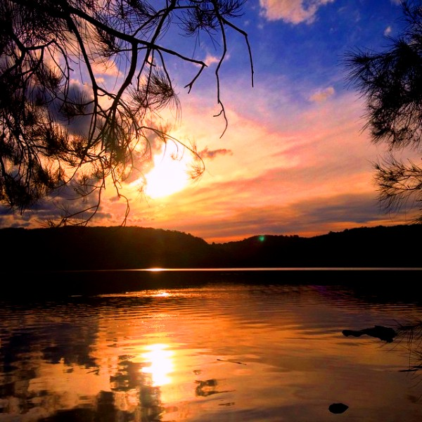 Sunset at Narrabeen Lake, credit - Seafarrwide