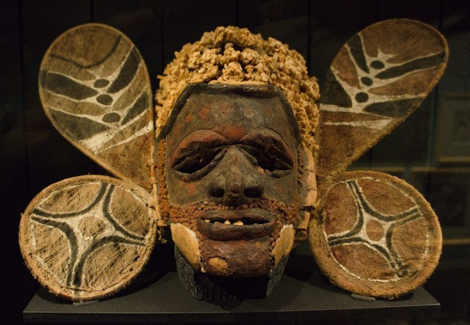 /wikipedia/commons/9/9e/Wooden_dance_mask_from_Papua_New_Guinea