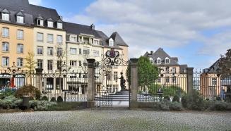 Luxemb_City_pl_de_Clairefontaine_St_Maximin
