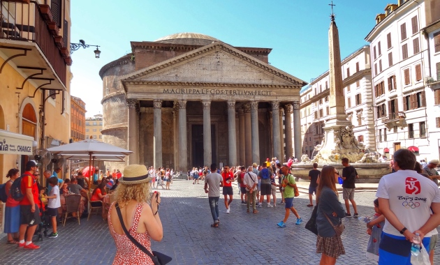 Me taking my first photos of the Pantheon in Rome, Italy